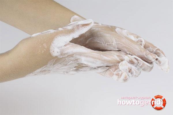Чем очистить монтажную пену с рук