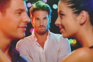 Как заставить ревновать мужа