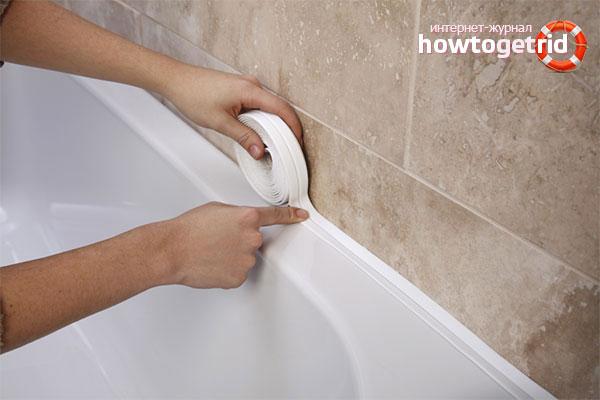 Как заделать зазор между ванной и стеной