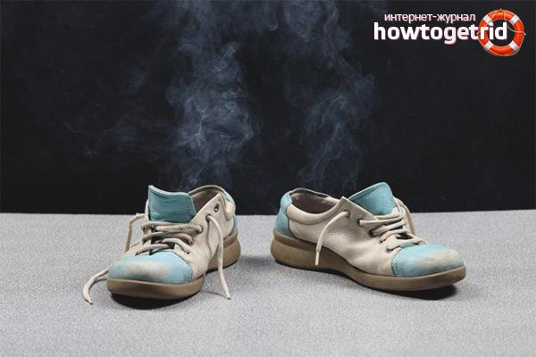 Как убрать неприятный запах из обуви