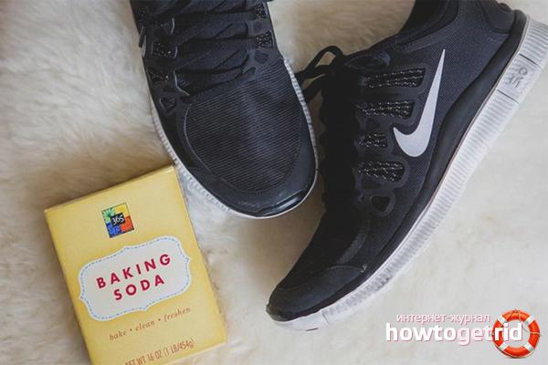Народные методы убрать неприятные запахи из обуви