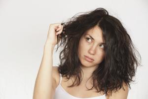 Как избавиться от сухости волос