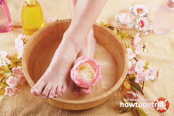 Как быстро снять отек ног при помощи ванночек