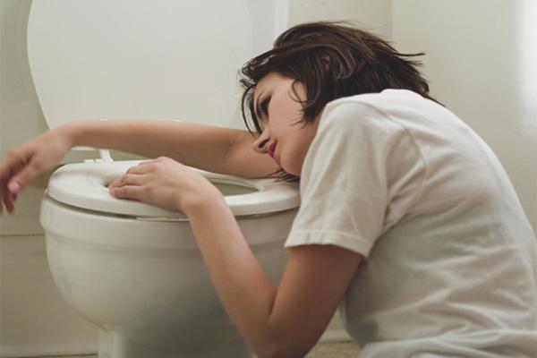 Как избавиться от тошноты после алкоголя