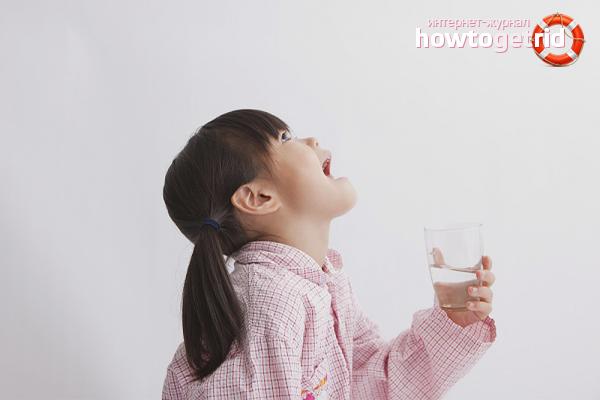 Как научить ребенка полоскать горло хлорофиллиптом