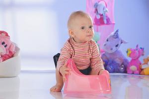 Как научить ребенка проситься на горшок