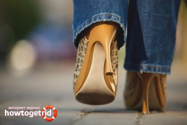 Как быстро научиться ходить на каблуках