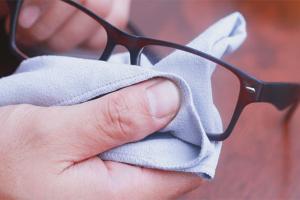 Как избавиться от царапин на очках