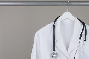Как отбелить медицинский халат