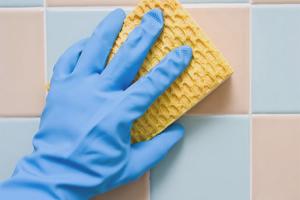 Как отмыть плитку после ремонта
