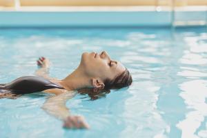 Как правильно плавать в бассейне, чтобы похудеть
