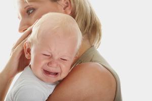 Как успокоить ребенка, когда он плачет
