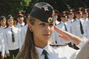 Как устроиться девушке на работу в полицию