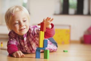 Как научить ребёнка играть самостоятельно