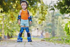 Как научить ребёнка кататься на роликах
