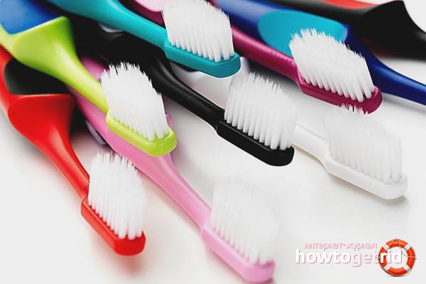 Яркие зубные щетки