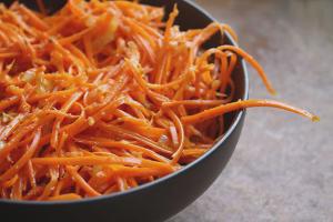 Как сделать морковь по корейски