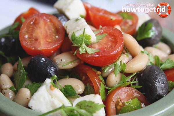 Греческий салат с фасолью и морковью