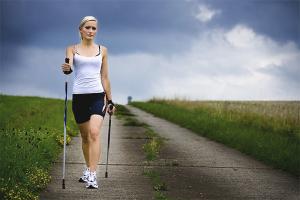Как правильно ходить скандинавской ходьбой