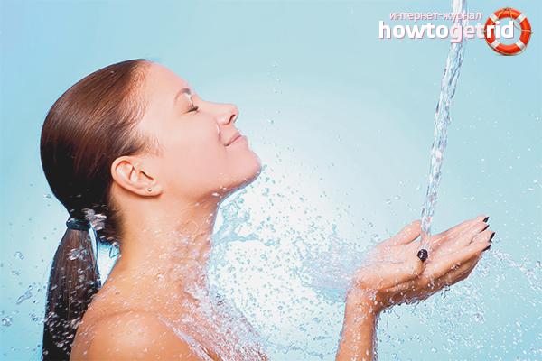 Холодной водой крана комнатной температуры мыло следует употреблять туалетное любом