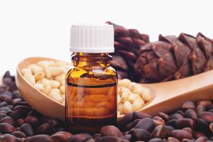 Польза и вред кедрового масла