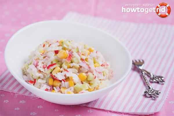 Как приготовить крабовый салат: 11 рецептов