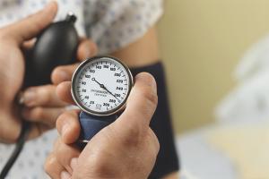 Как снизить давление без лекарств