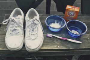 Как вывести пятно от шариковой ручки с одежды