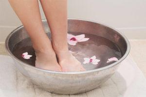 Можно ли при беременности парить ноги