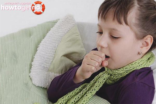 Как успокоить влажный кашель у ребенка