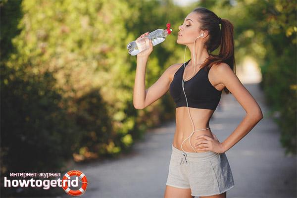 Можно ли пить воду после бега