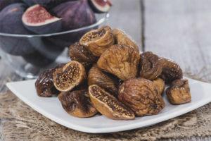 Как хранить свежий и сушеный инжир