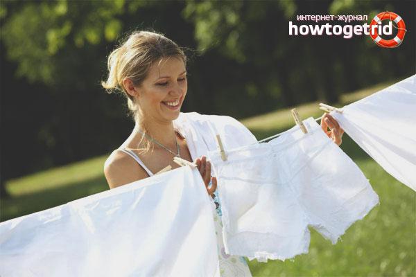 Как избавиться от пятен пота на одежде