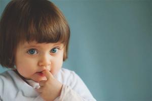Как ребенка отучить грызть ногти