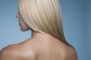 Как убрать желтизну с волос после мелирования