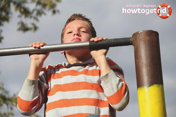 Как научить ребенка подтягиваться