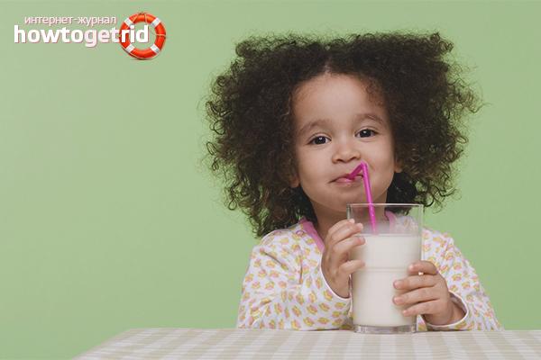 Как научить ребенка пить из трубочки