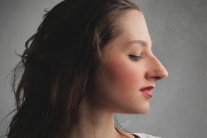 Как скрыть большой нос