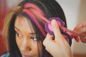 Как покрасить волосы мелками для волос