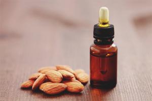 Как использовать миндальное масло для лица