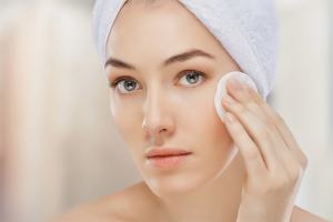 Как правильно снимать макияж
