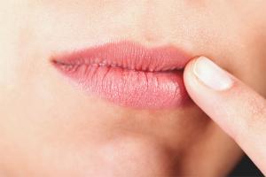 Как лечить хейлит на губах