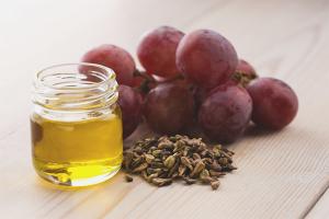 Польза и вред масла из виноградных косточек