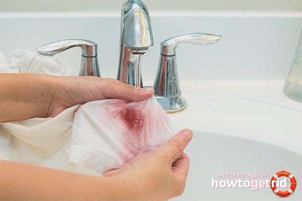 Как отстирать старые пятна крови