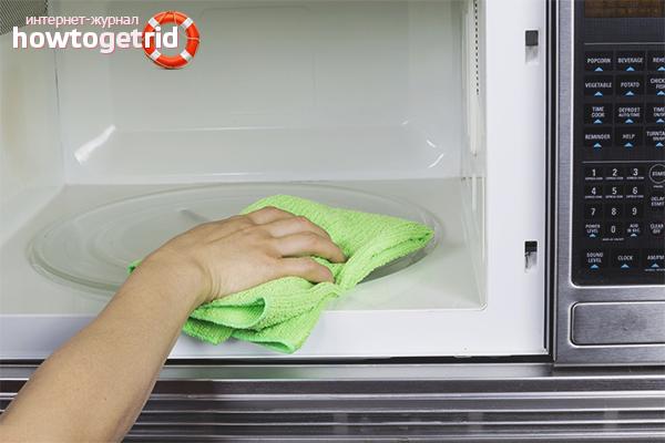 Как устранить запах гари из микроволновки