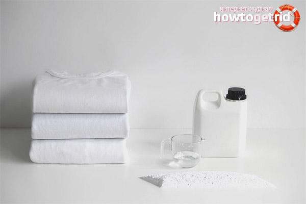 Как отбелить белую футболку промышленными средствами