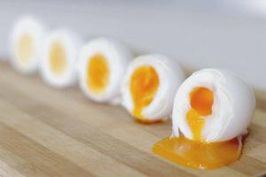 Польза и вред яиц всмятку