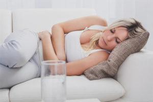 Что делать, если болит живот и тошнит