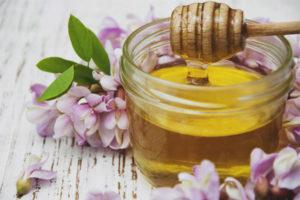 Полезные свойства и противопоказания меда акации