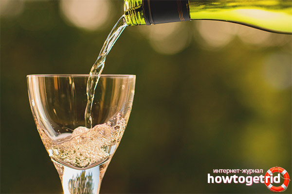 Можно ли пить просроченное шампанское